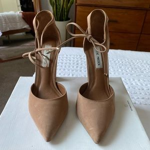 Tan Steve Madden Heel with ankle tie